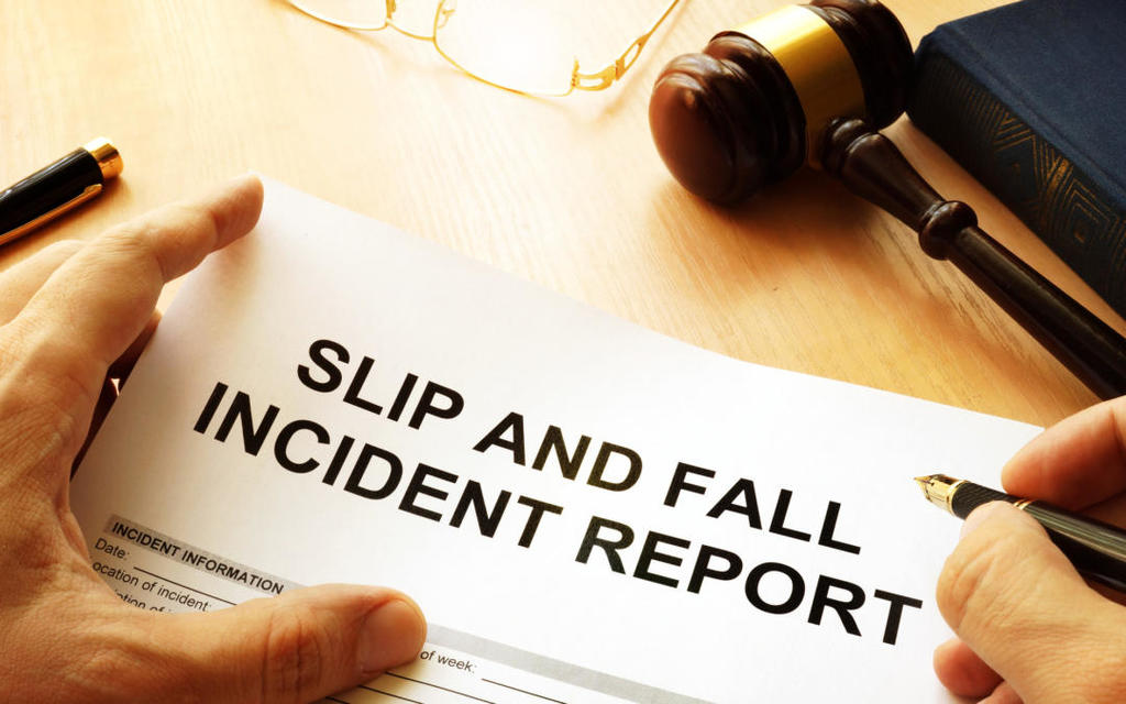 slip and fall injury lawyer chicago